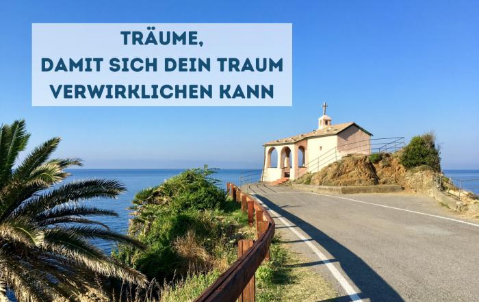 Blog-Beitrag mit Kapelle am Meer
